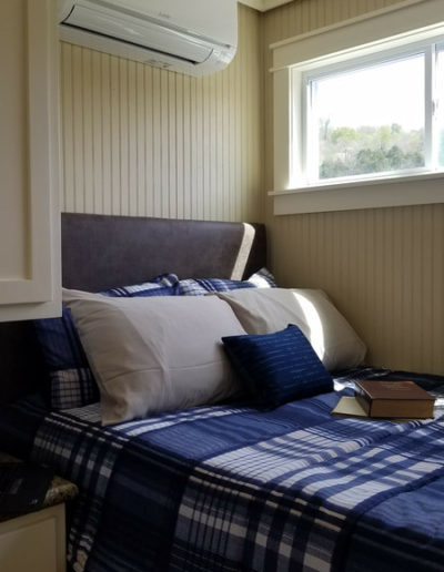 The Cumberland 3.20 XL Guest Bedroom