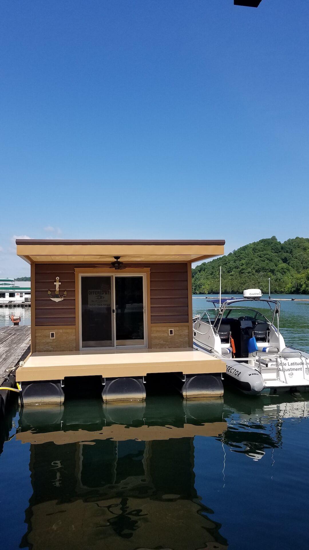 Vertical Slip House at dock